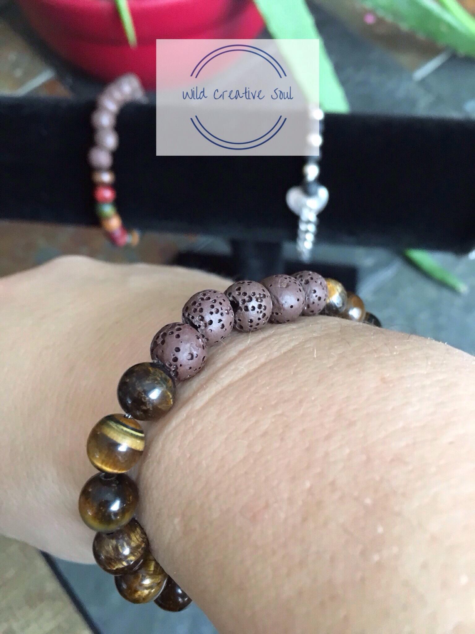 Bracelet for essential oils